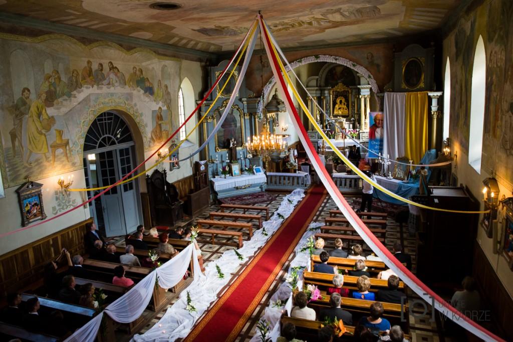Wnętrze kościoła zperspektywy chóru.