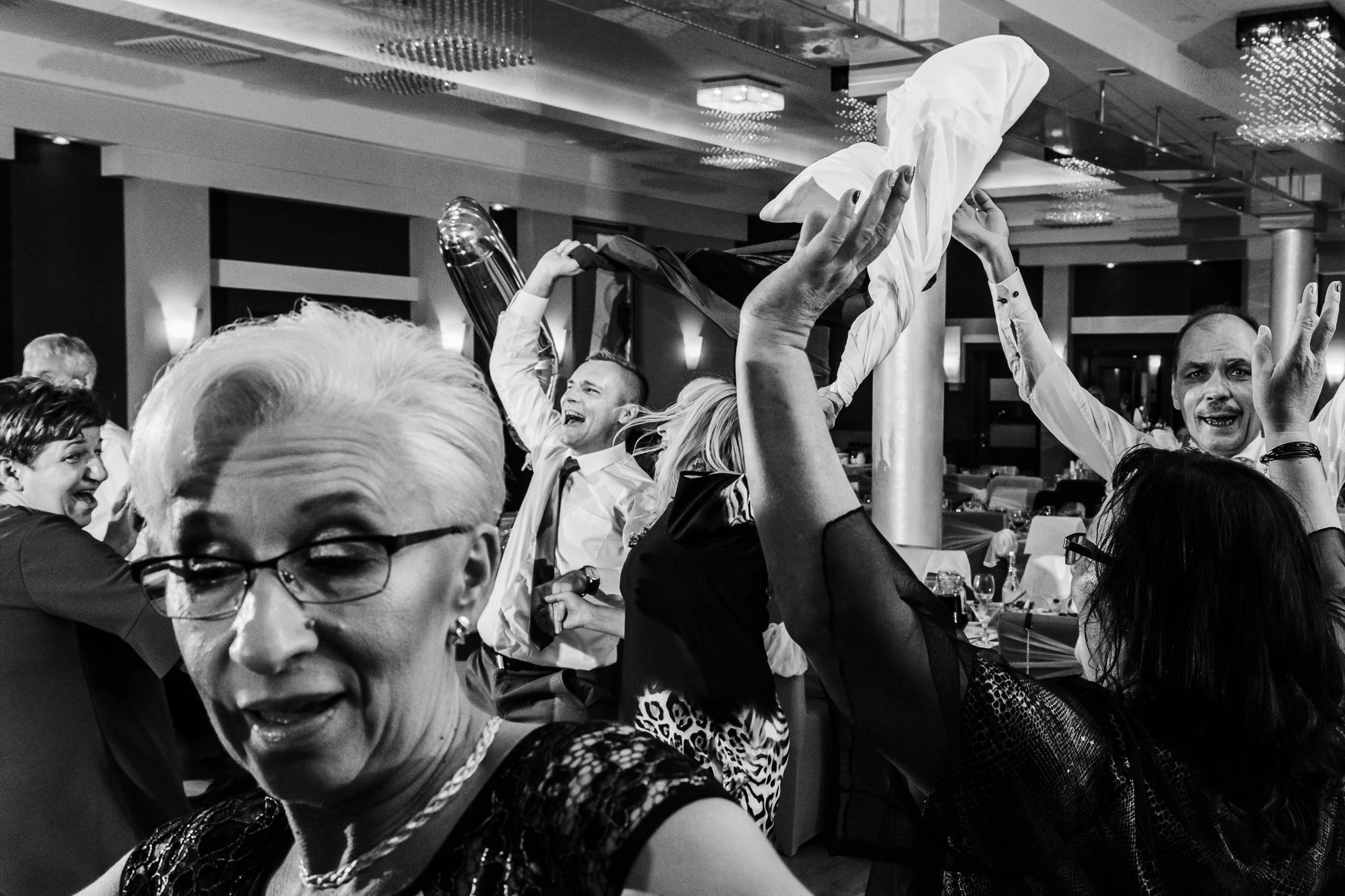 fotografia eventową wykonana wŁodzi podczas wesela