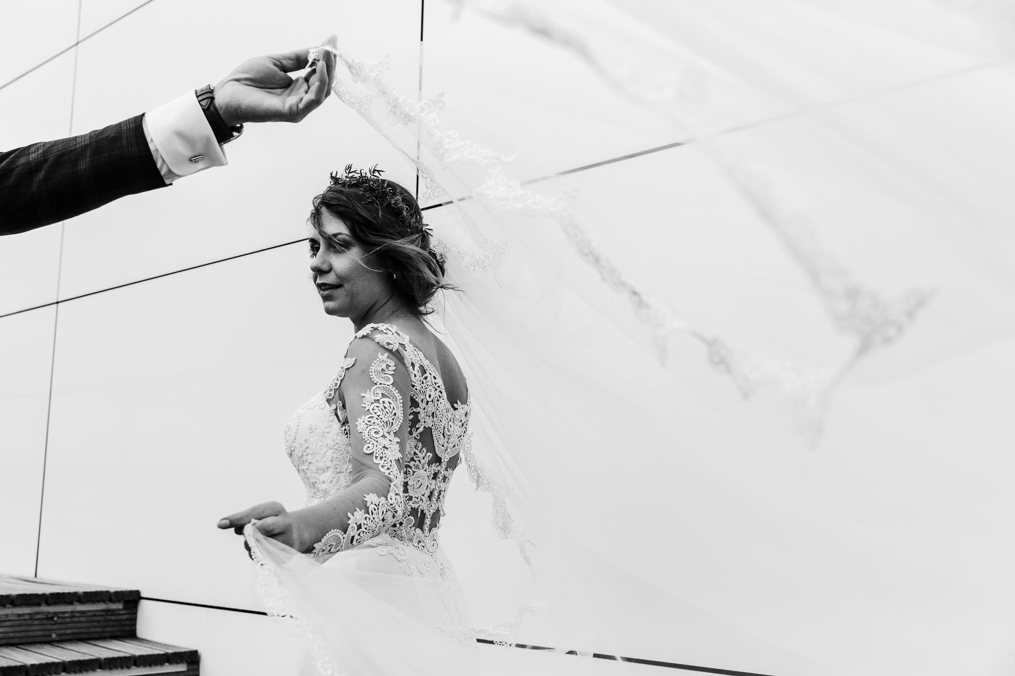 reportaż ślubny to podstawa nawet na plenerze