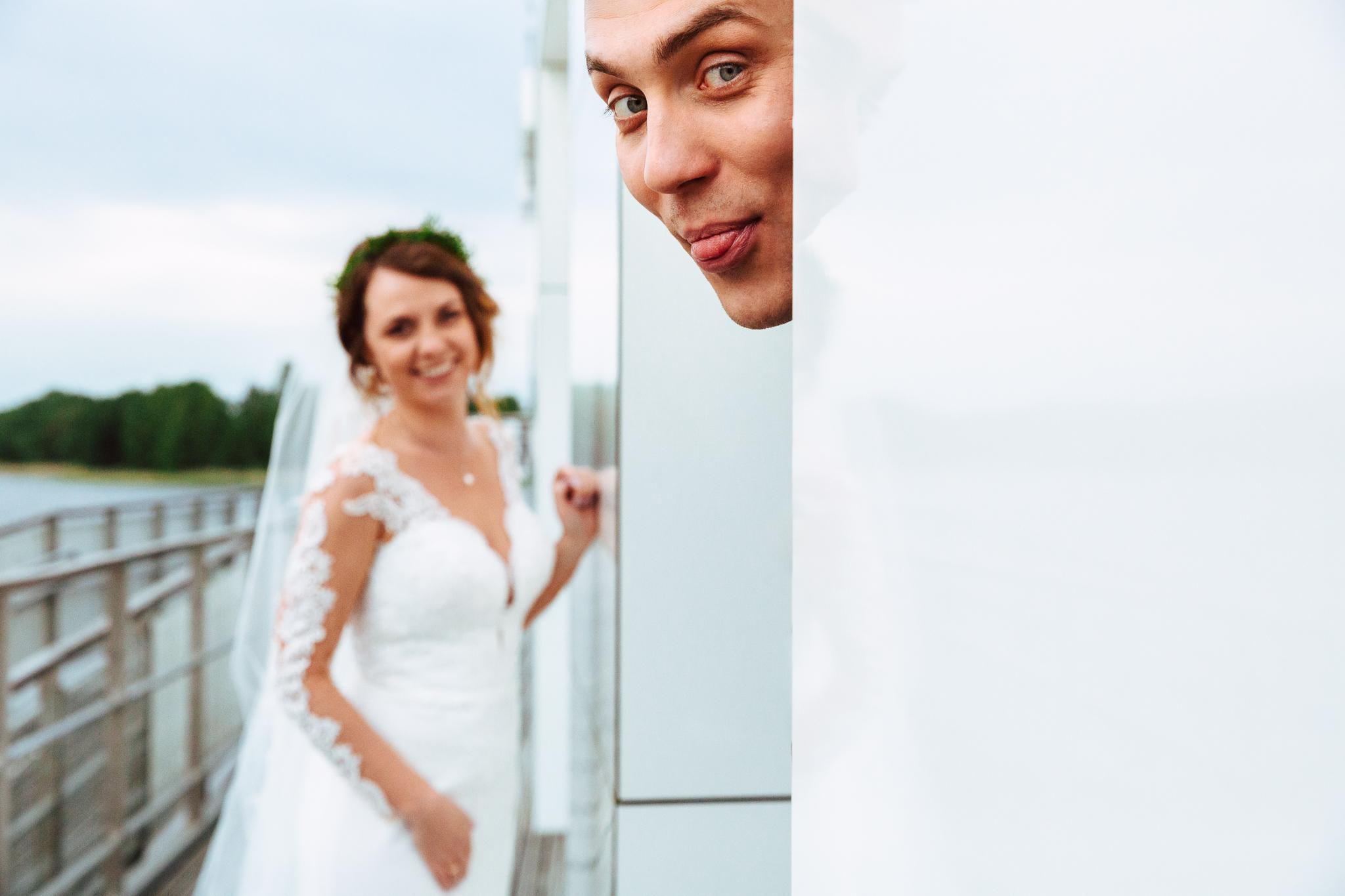śmieszny i wyluzowany plener ślubny